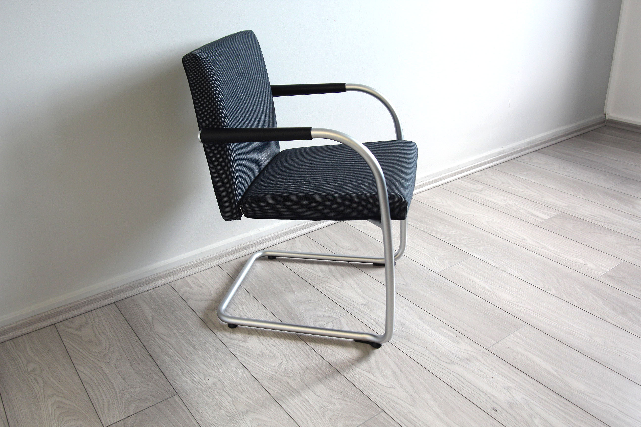 Vitra Mbel Gebraucht Free Eames Es Lobby Chair With Vitra Mbel